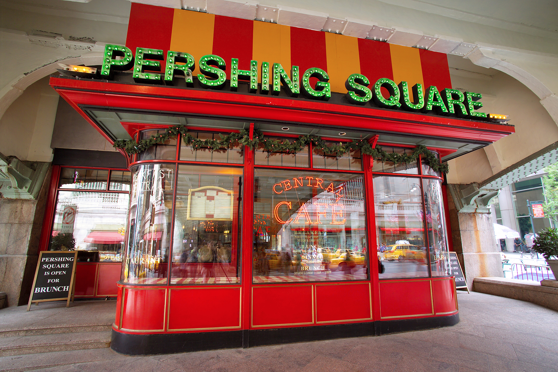 Pershing Square Central Cafe